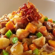 Fujian Fried Rice - Conpoy Mushrooms Pork Assorted Vegetables and Egg in thick sauce - Tsuen Wan